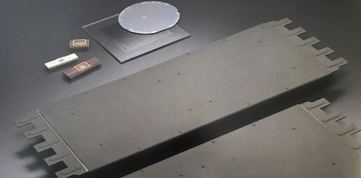 Wafer retention plates made of heat-resistant alloy for atmospheric CVD devices