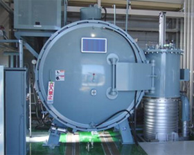 Large vacuum furnace